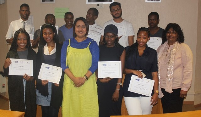 Dr Vahed with COIL certificates recipients 008