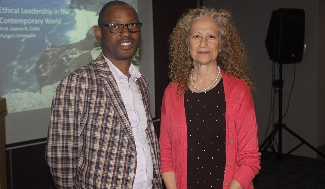 Professor Khetha Ndlovu with Prof Joanne Ciulla 001