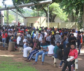 HUNDREDS OF HOPEFULS SEEK STUDY SPACES AT DUT