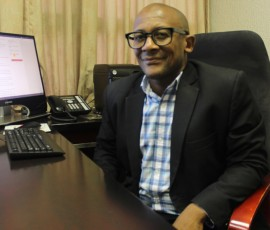 Prof Twala